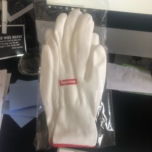 NEW Supreme Rubberized Gloves